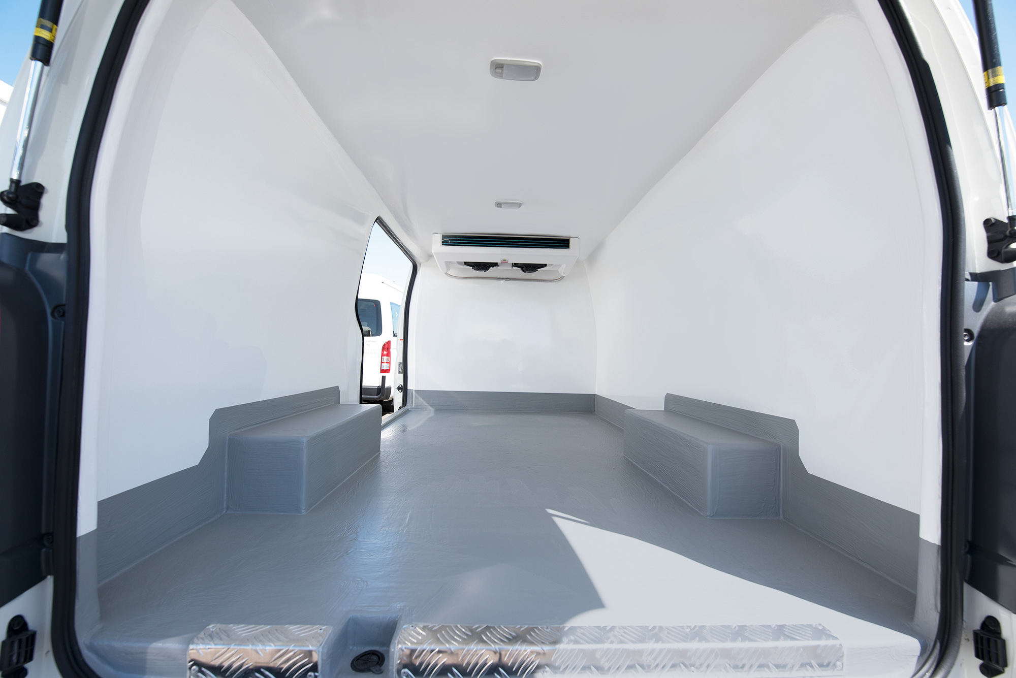 Hiace_Fridge_Van_Interior_edit_v1.jpg